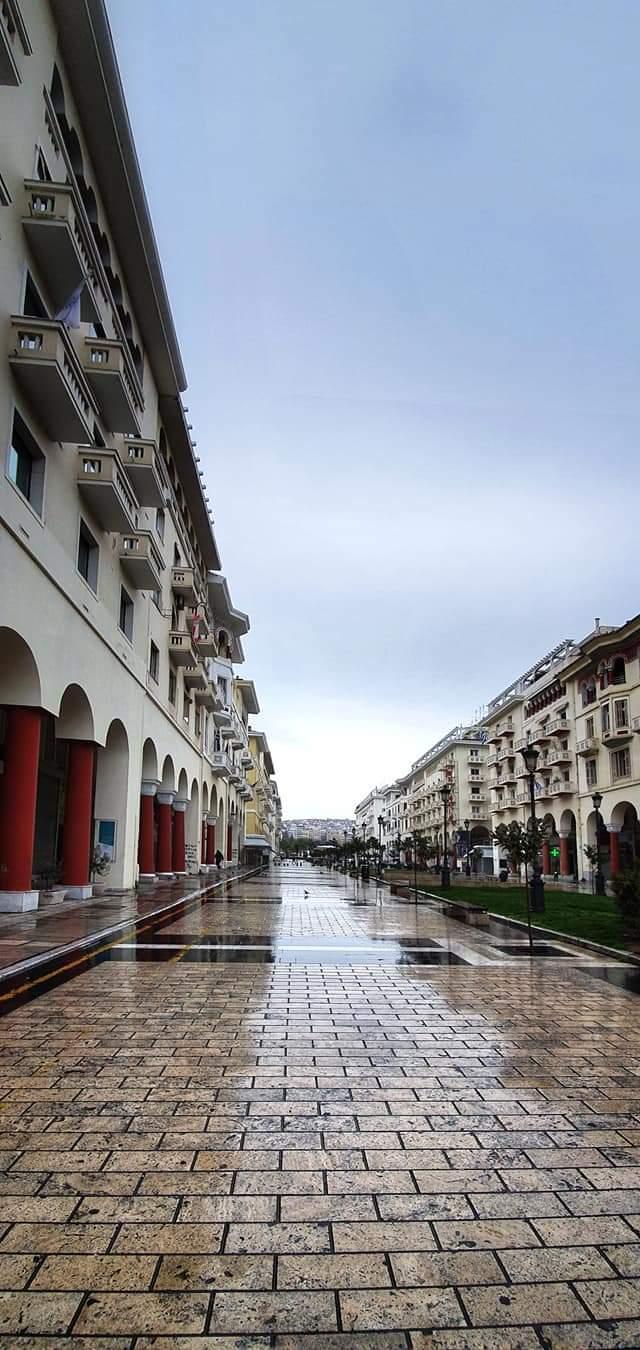 Πόλεις φαντάσματα η Θεσσαλονίκη και η Αθήνα- φωτό