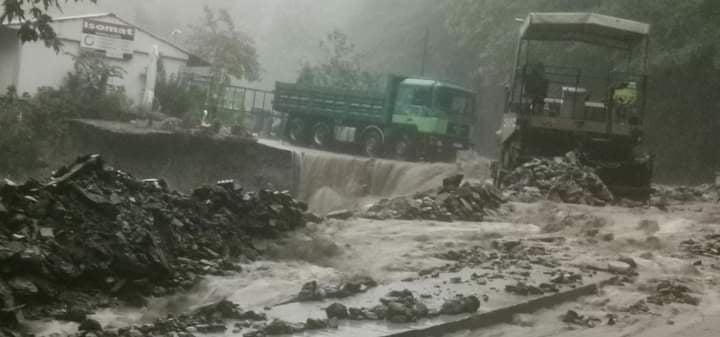 Πήλιο: Προβλήματα από την καταρρακτώδη βροχή